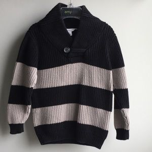 Boys two-toned pullover sweater sz 4